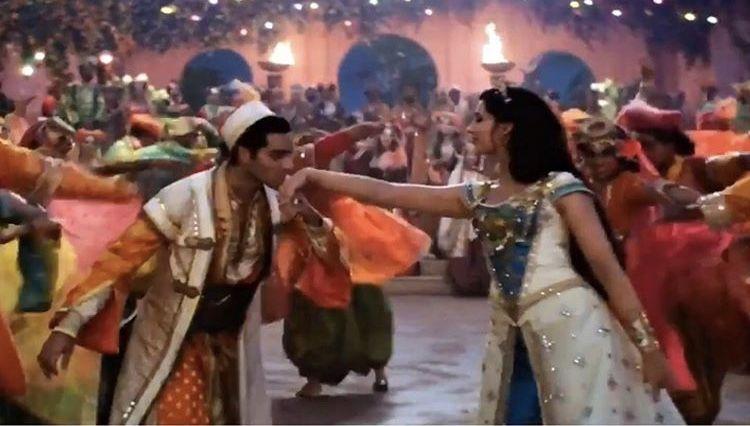 Aladdin Kissed Princess Jasmine S Hand On Their Wedding Day From