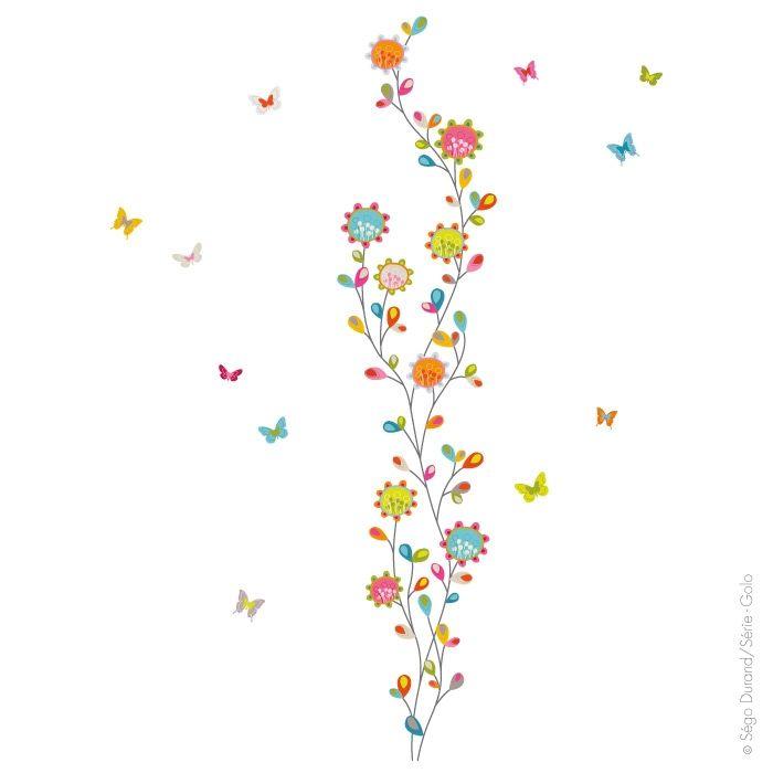 Une Décoration Pour Les Amatrices De Fleurs. Des Bleues, Des Roses