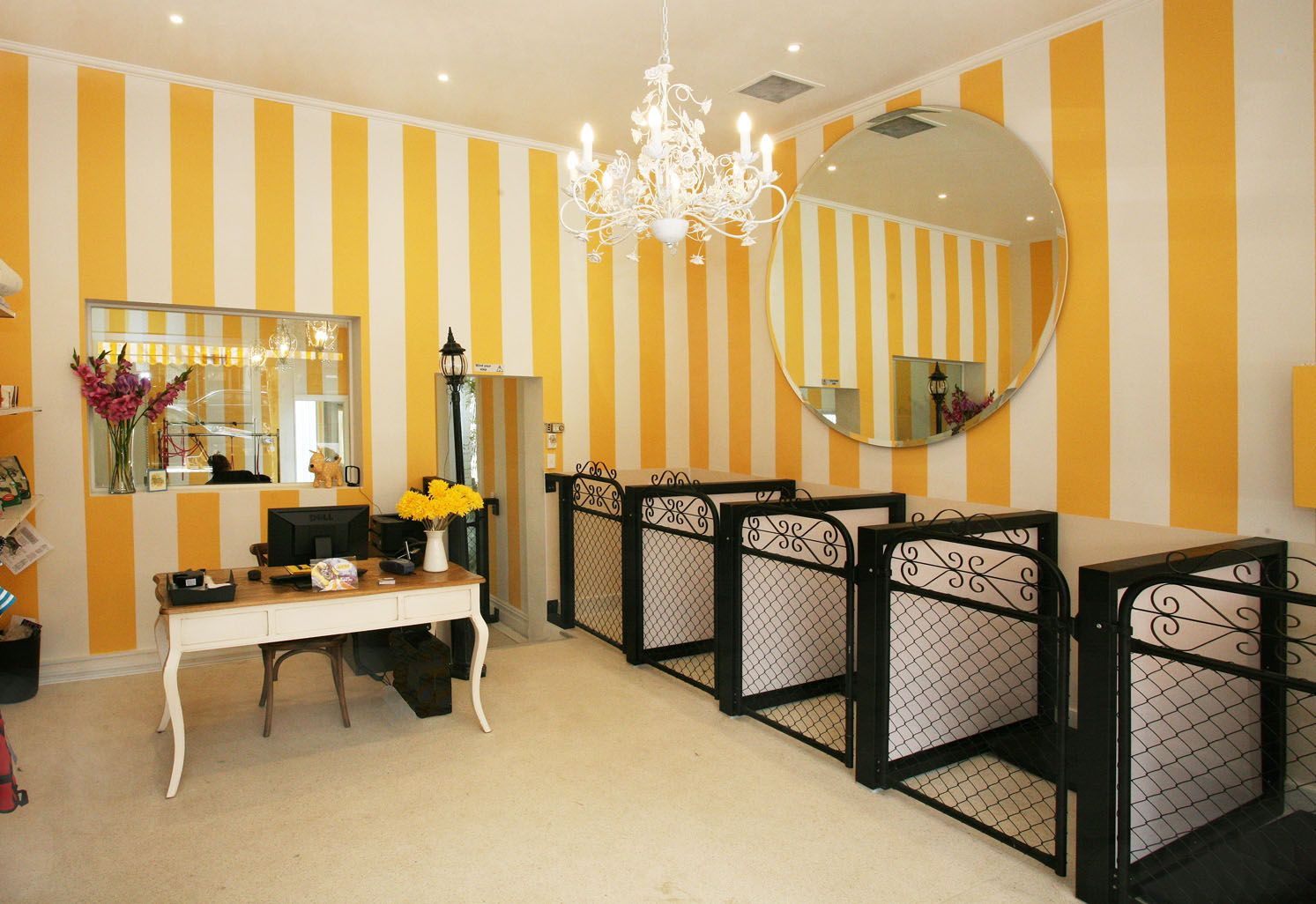 Pin By Scrappin Love Studio On Doggrooming Dog Grooming Salons Grooming Salon Dog Grooming Salon Decor