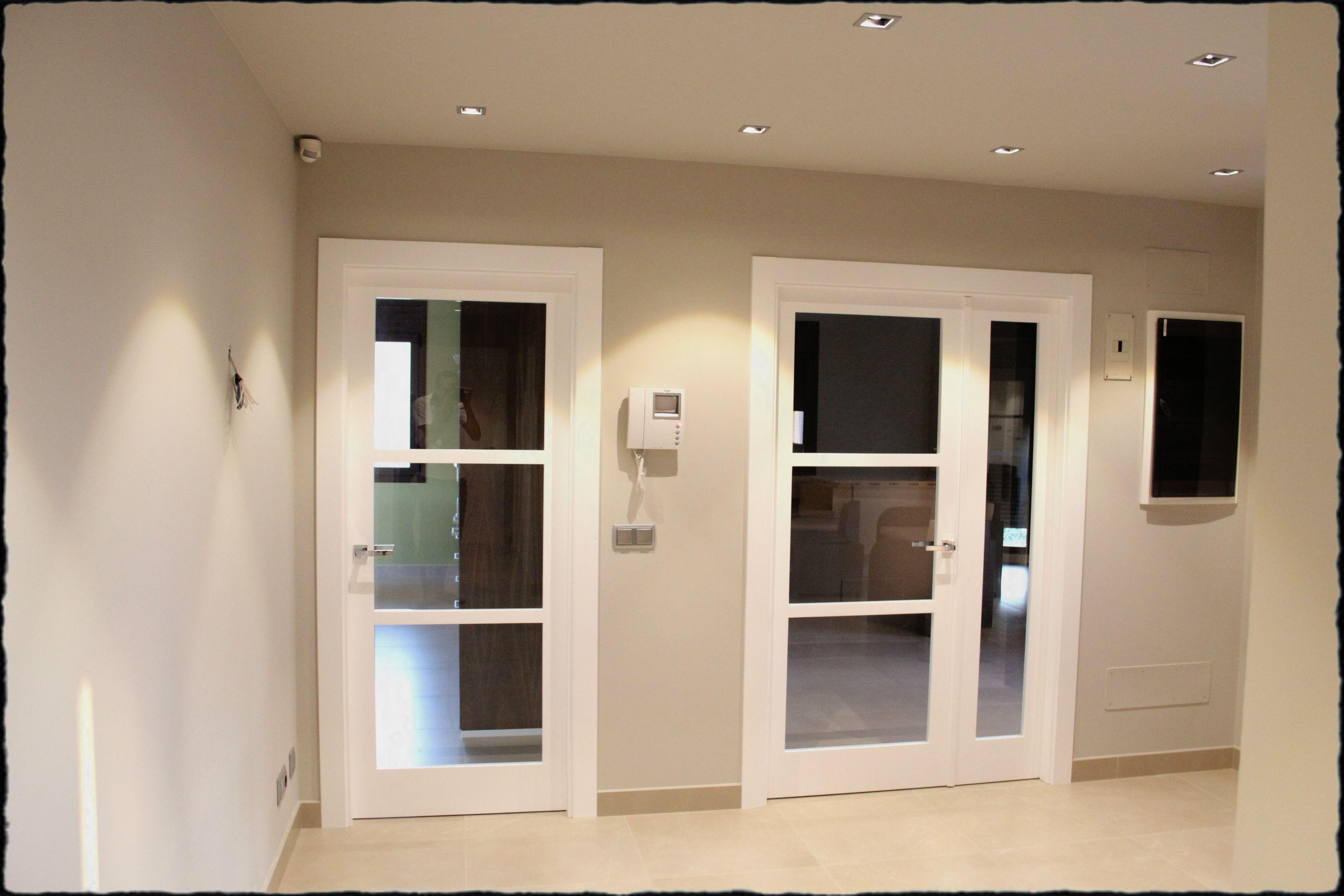 Puertas lacadas en blanco puertas pinterest puertas - Medidas puertas interiores ...
