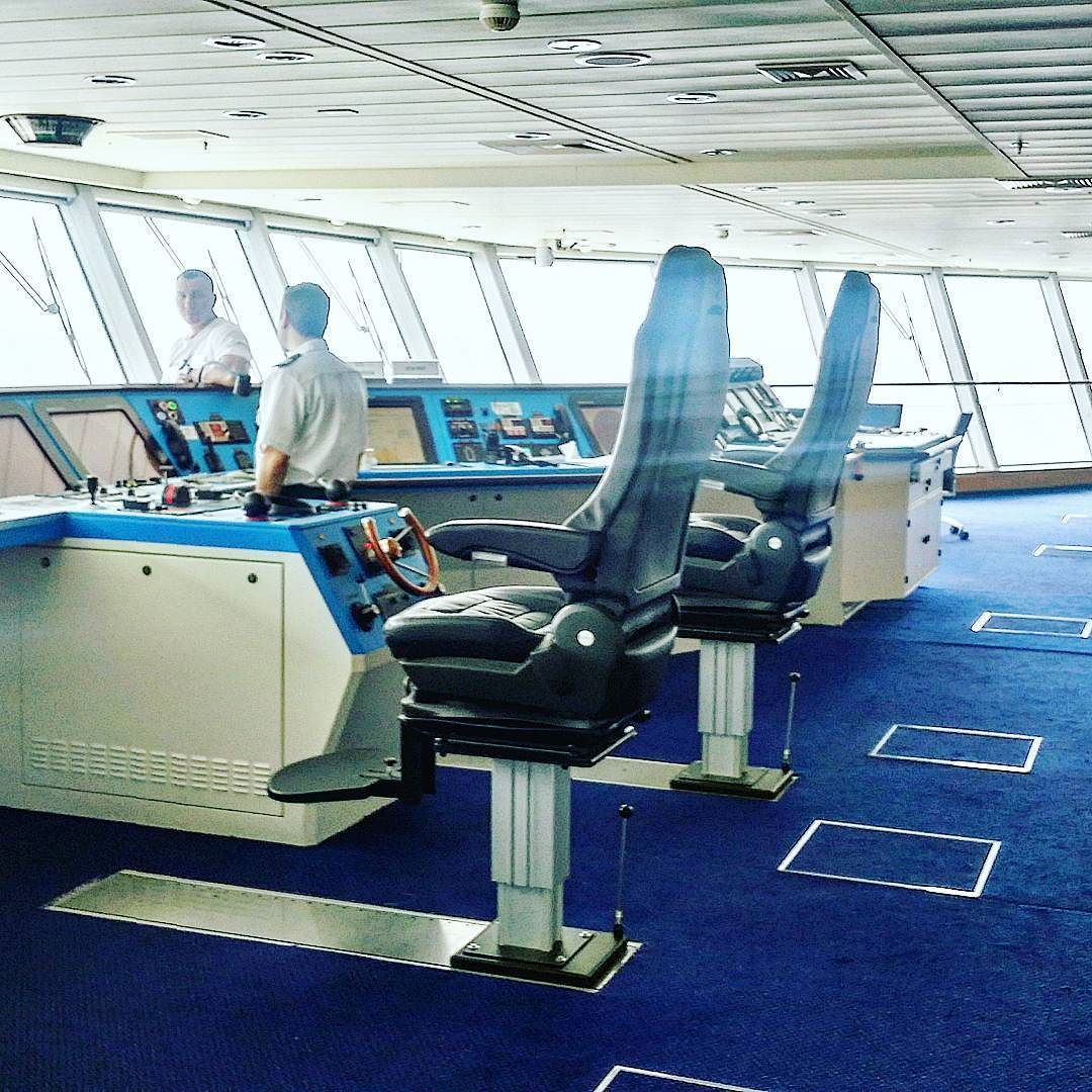 Always at least two officers need to be on the Bridge of a gigantic ocean cruise ship. Today we got a tour of how the ship's navigation systems and controls work and one has to appreciate the amount of engineering that has gone into building these vessels.  #celebritycruises #cruise #ship #modernluxury #häämatka #honeymoon #caribbean #karibia #loma #risteily #laiva #travel #matka #reissu #nordicnomads (via Instagram)