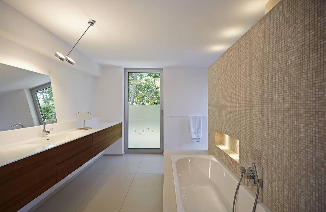 Moderne Badezimmer ~ Moderne badezimmer bilder badezimmer mit waschbecken aus corian