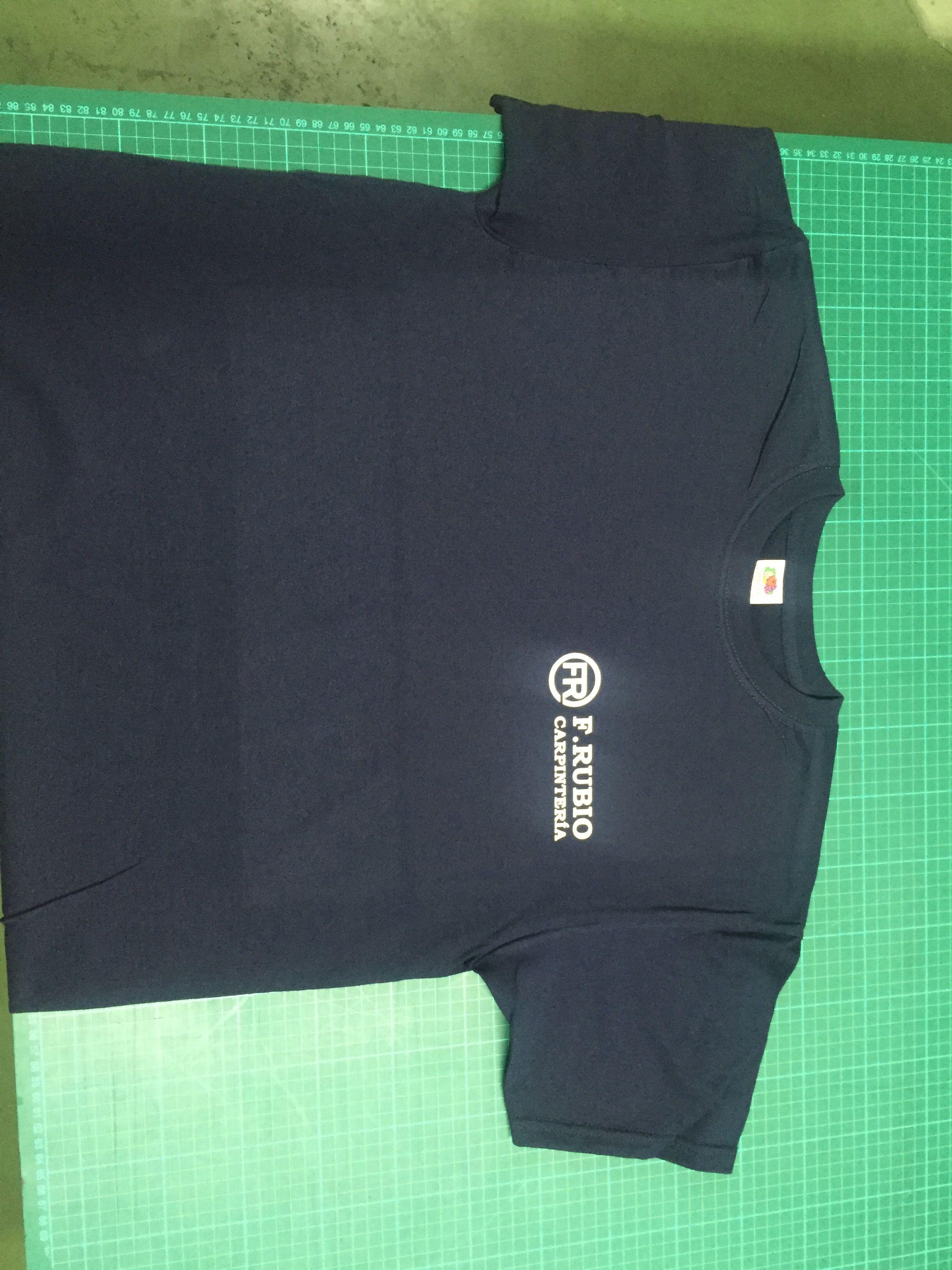 personalización de camiseta para carpintería, vinilo de corte sobre camiseta de algodón
