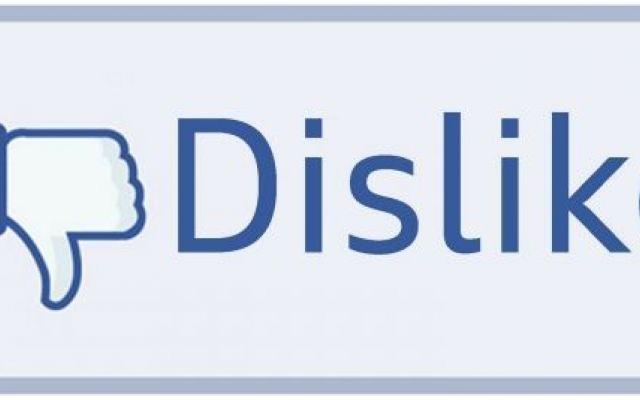 """Facebook: In arrivo il tasto Dislike Finalmente su Facebook arriva il tasto """"non mi piace"""". Ad annunciale è stato lo stesso Mark Zuckerberg, CEO e fondatore del più famoso social network. Mark ha dato l'annuncio dopo che uno studente gl"""