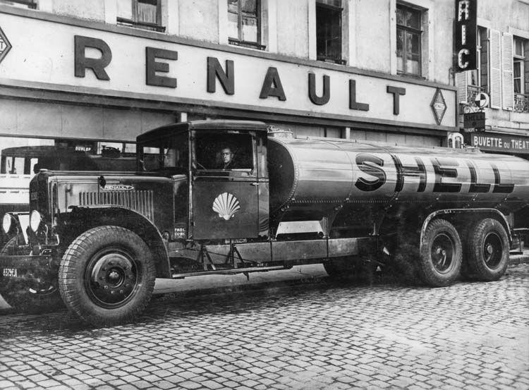 figure 115   camion-citerne renault type zfd 130 cv 18 tonnes