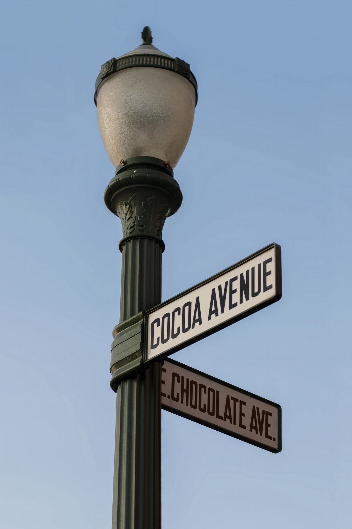 At the Corner of Cocoa and Chocolate by Frances Civello on 500px