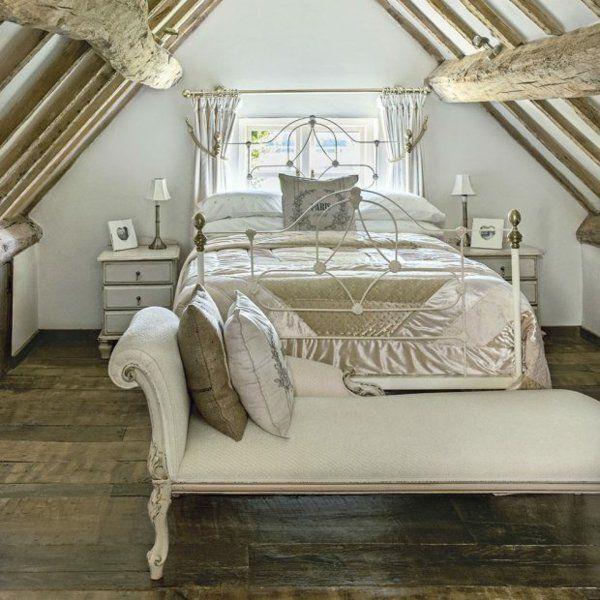 kleines Schlafzimmer - romantische Atmosphäre Metallbett weiß - schlafzimmer mit metallbett