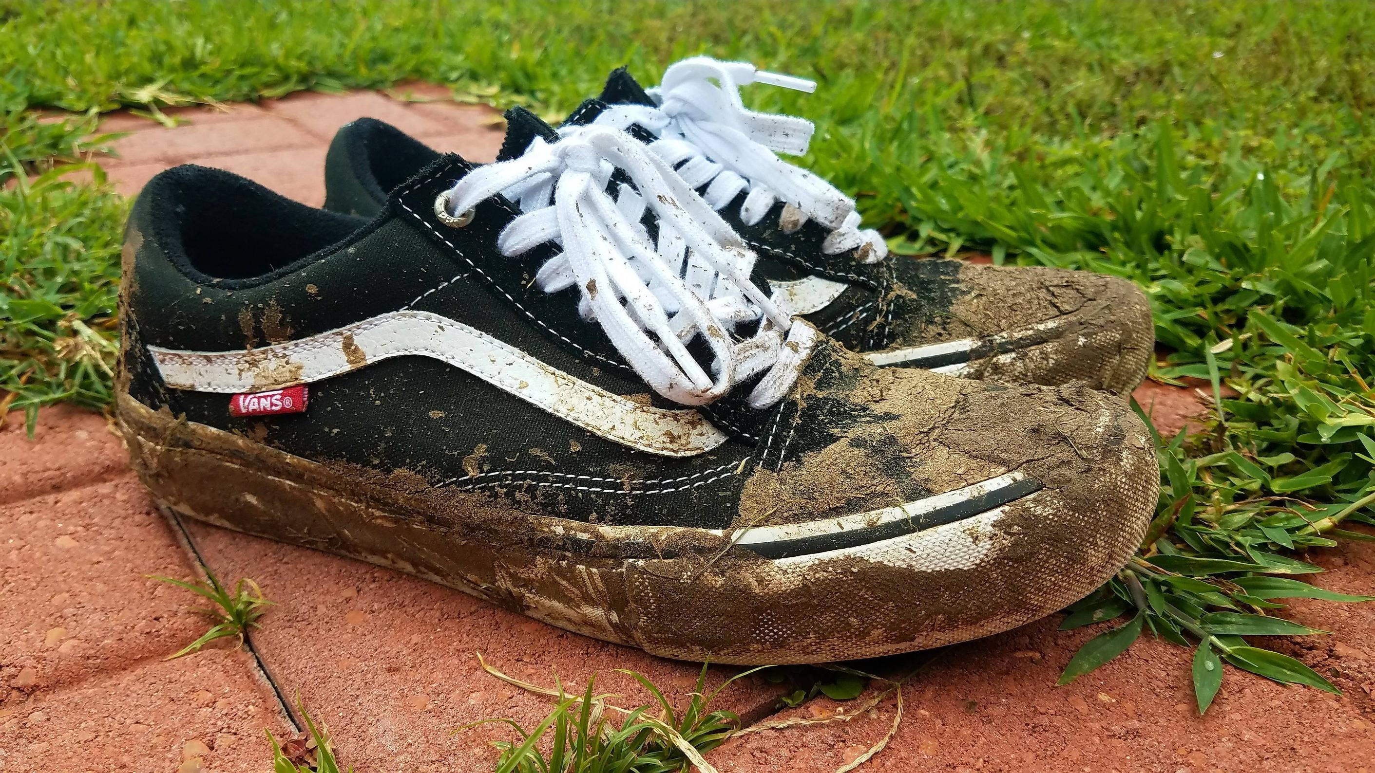 6abcc152576cc Dirty shoe post post Post Malone show | Bežecká obuv | Shoes ...