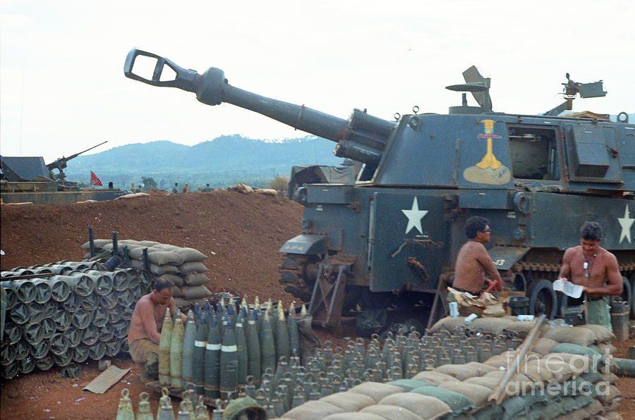 Vietnam Field Watches 155mm M109 Howitzer 5th 16th Field