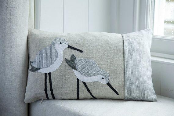 Veren Kussen 18 : Handmade dunlin wading bird cushion with grey wool woven in wales