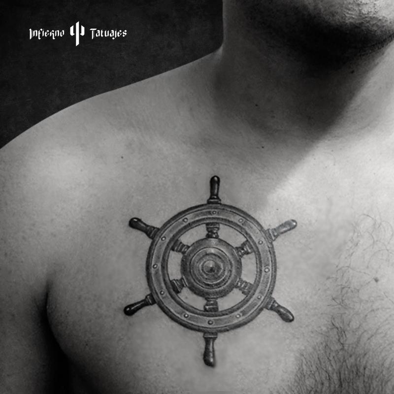 Tatuaje Timón De Barco Tattoo Realista En Negro Y Sombras Tatuaje