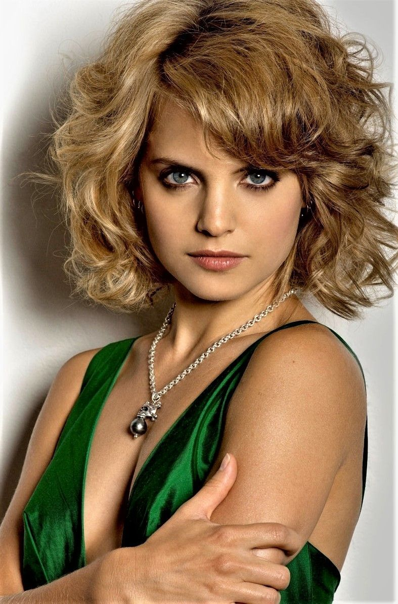 Test what hairstyle suits you best pixie hairstyles pinterest