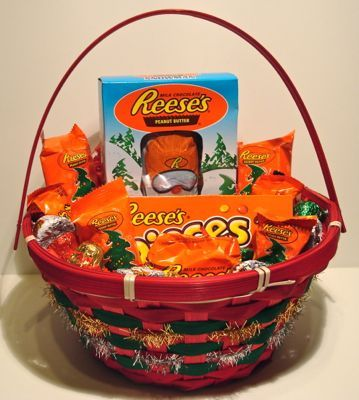 Reese's Christmas Candy Basket makes a perfect Christmas present ...