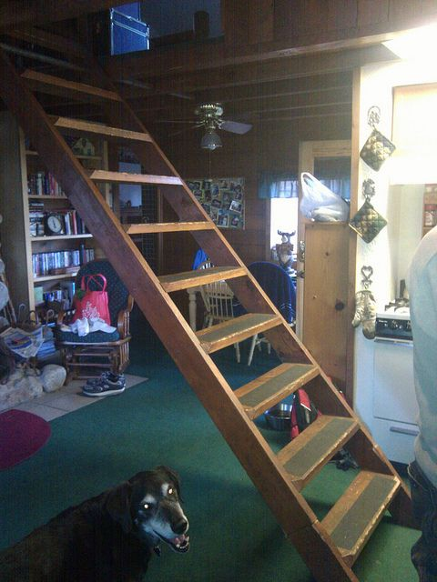 More Pull Down Stairs By RonnieShumate