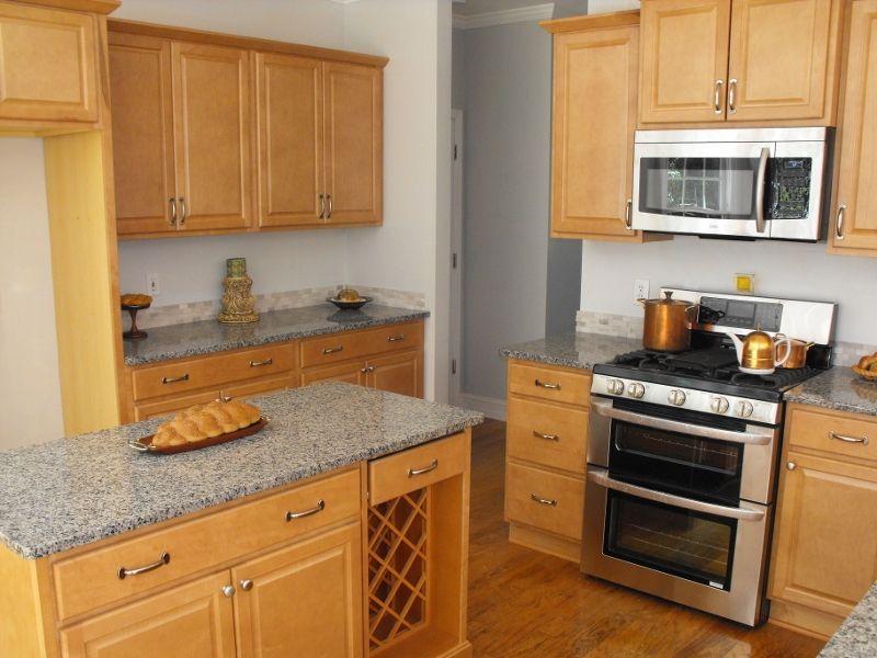Kitchen maple granite countertops. Needs dark grey tile ... on Maple Cabinets With Granite Countertops  id=24765