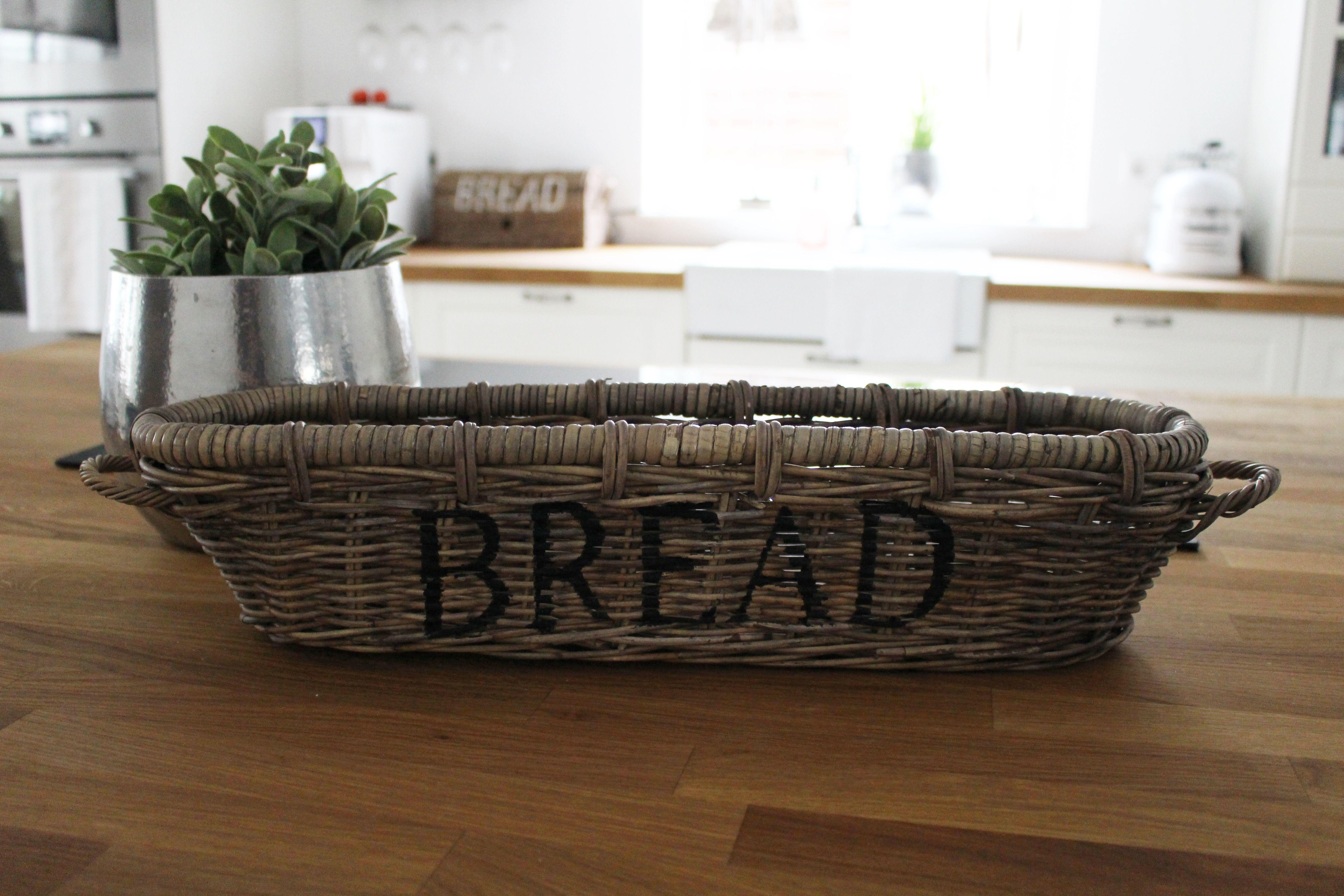 viele sch ne rattan sachen bekommen sie bei uns im online shop bread. Black Bedroom Furniture Sets. Home Design Ideas