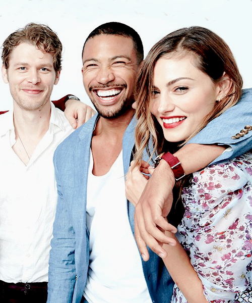 phoebe tonkin and joseph morgan kiss wwwpixsharkcom