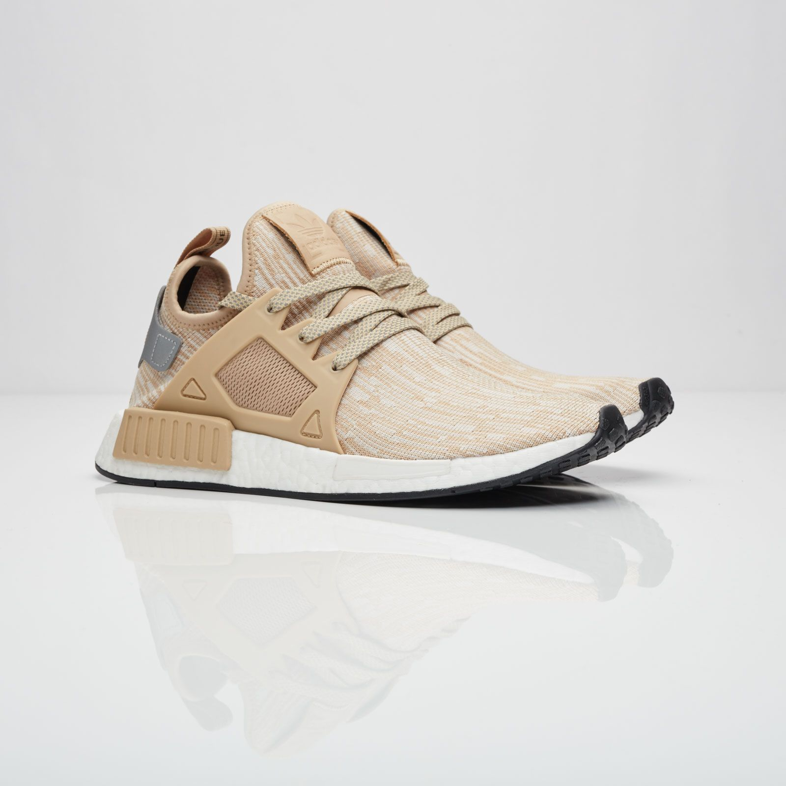MIDNIGHT ONLINE Adidas #NMD XR1 PK Linen / Core Black Credit :  Sneakersnstuff