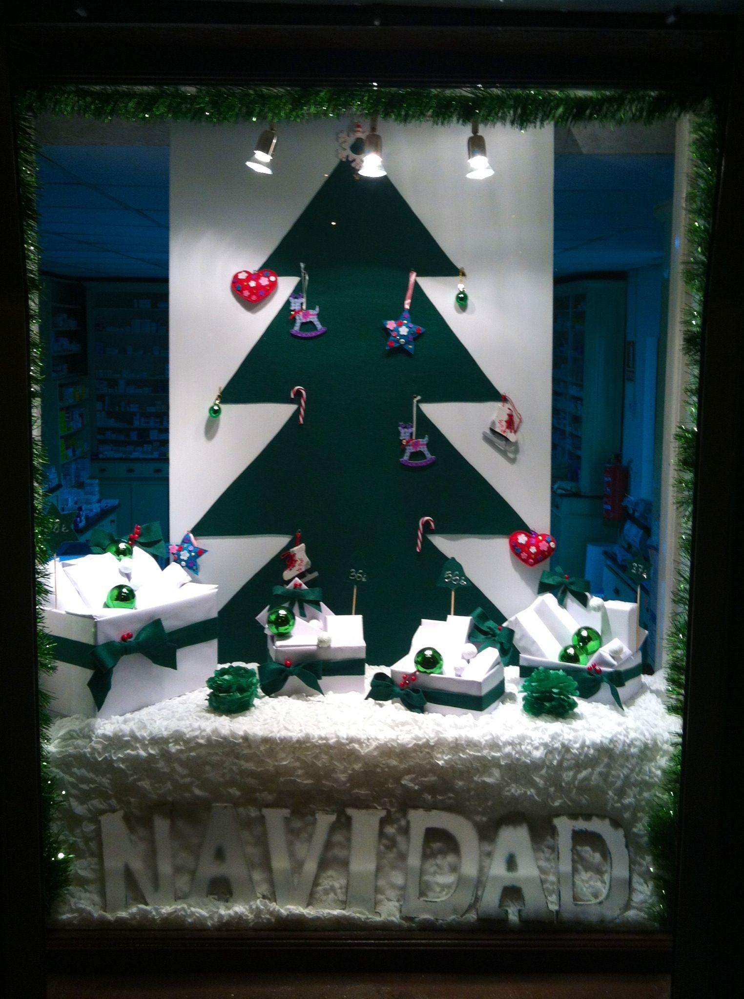 Feliz navidad y pr spero a o nuevo escaparate navide o - Como hacer un escaparate ...