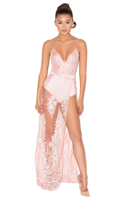 adfef38a2  Lucia  Maxi vestido ceñido de encaje transparente rosa.