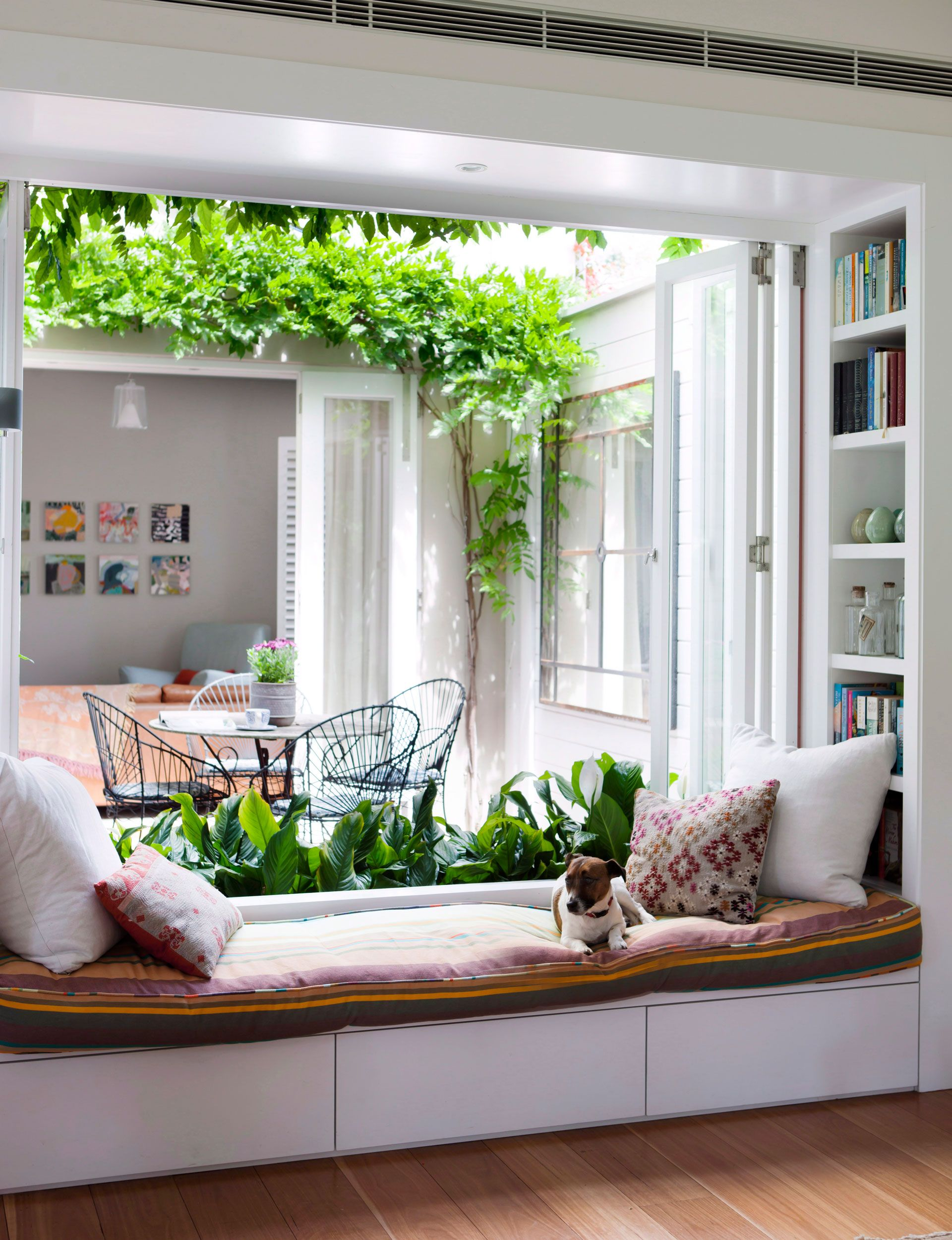 50 Excellent Bay Window Seat Examples For Your Recess Spot