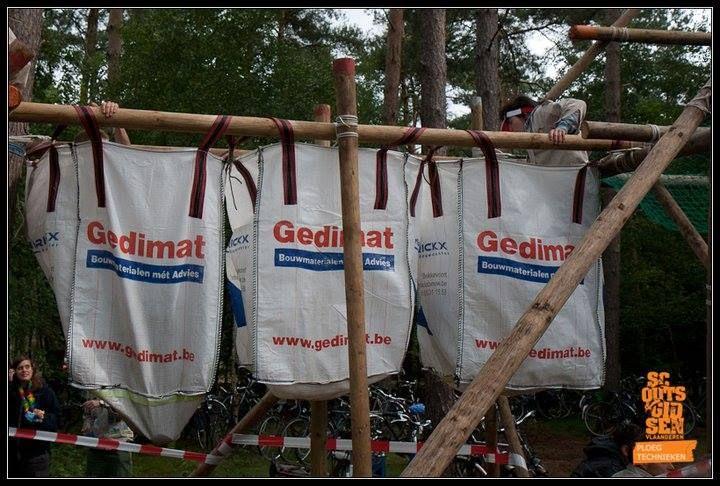 Leuk idee voor een trappersbaan of post tijdens een hike...
