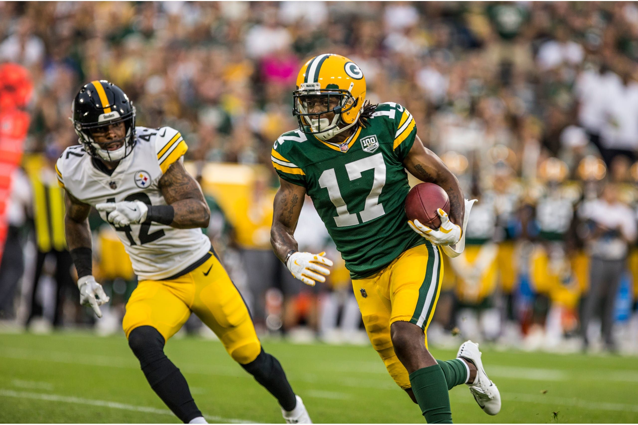 17 Wr Davante Adams In 2020 Green Bay Packers Packers Football Helmets