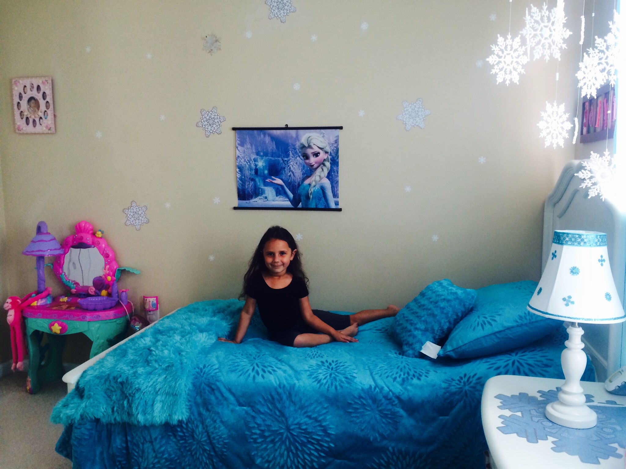 Disney frozen bedroom ideas - Frozen Bedroom On A 60 Budget