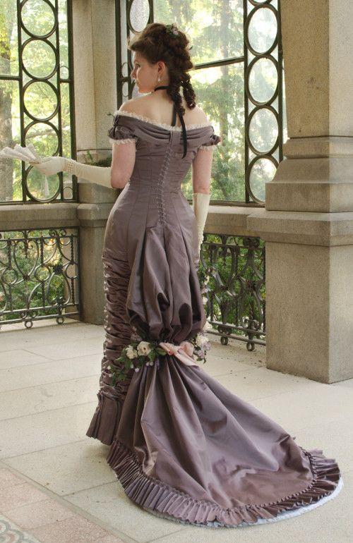 Natural forn ballgown #englishdresses1880