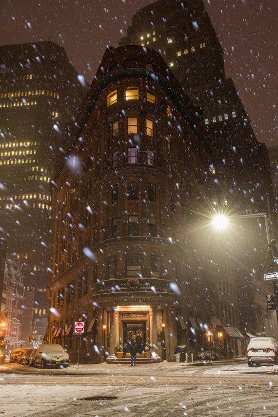 Snowfall in Lower Manhattan - FiDi in the Winter -