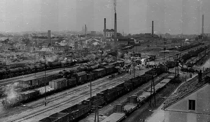 Kolínské nákladové nádraží 18.4.1945 po náletu