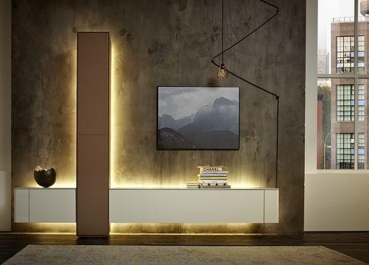 Popular Ausdrucksvolle M bel kommen von h lsta Elegante Solisten wie das Highboard oder eine ganze Wohnwand hochwertige Wohnzimmerm bel schaffen Atmosph re