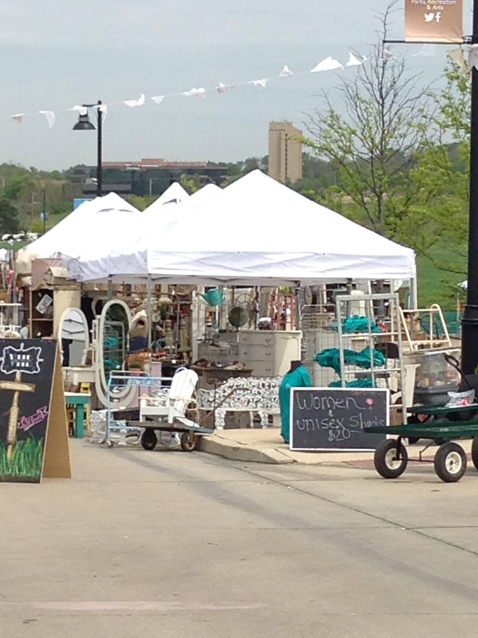 St. Louis Vintage Market Days April 2015 | Auctions, Markets, Fairs on st louis personal ads, st louis flea market, north jersey garage sales,