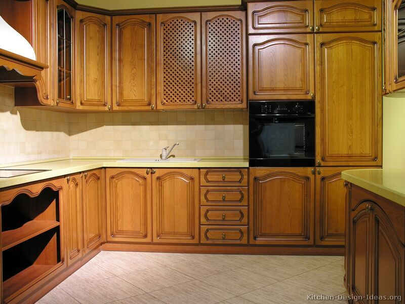 Traditional Medium Wood-Golden Kitchen Cabinets #25 (Kitchen-Design