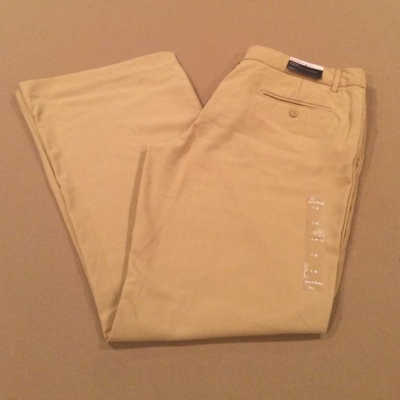 """Steve & Barry's Uptown Trouser NWT Size 14. 32"""" inseam, waistband measures 18"""" flat, 11.5"""" leg opening. Steve & Barry's Pants Trousers"""