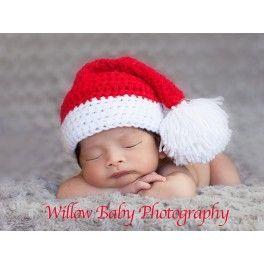 Gorrito básico y tradicional de Papa Noel, en un precioso tono rojo y borla final blanca muy suave.