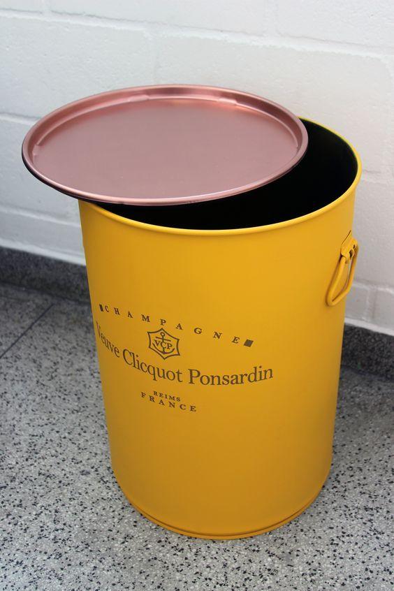 Veuve Clicquot #veuveclicquot #barril #tonel #decoração #rebecaguerra #industrialdesign: