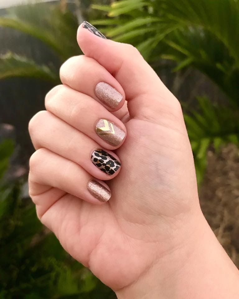 Diy This Mani Using Jamberry Nail Wraps And Forget About Polish That Chips After 2 Days Easynailart Nails Nailart Diynails