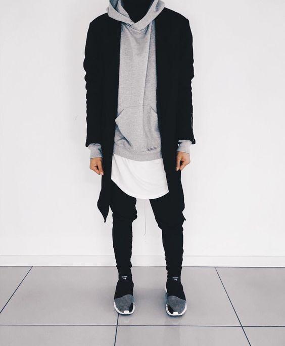 Sobreposição de peças, Moda Masculina, Look Minimalista, Minimalista, Camiseta Longline, Moletom Longline, Camiseta Alongada, Camadas no Visual Masculino, pra Inspirar!