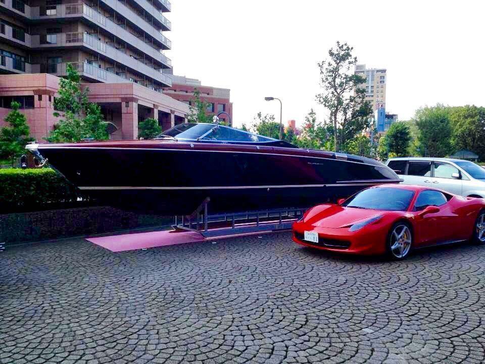 Riva Iseo Vs Ferrari Italia Topyacht Yacht Yachts Boat Boats