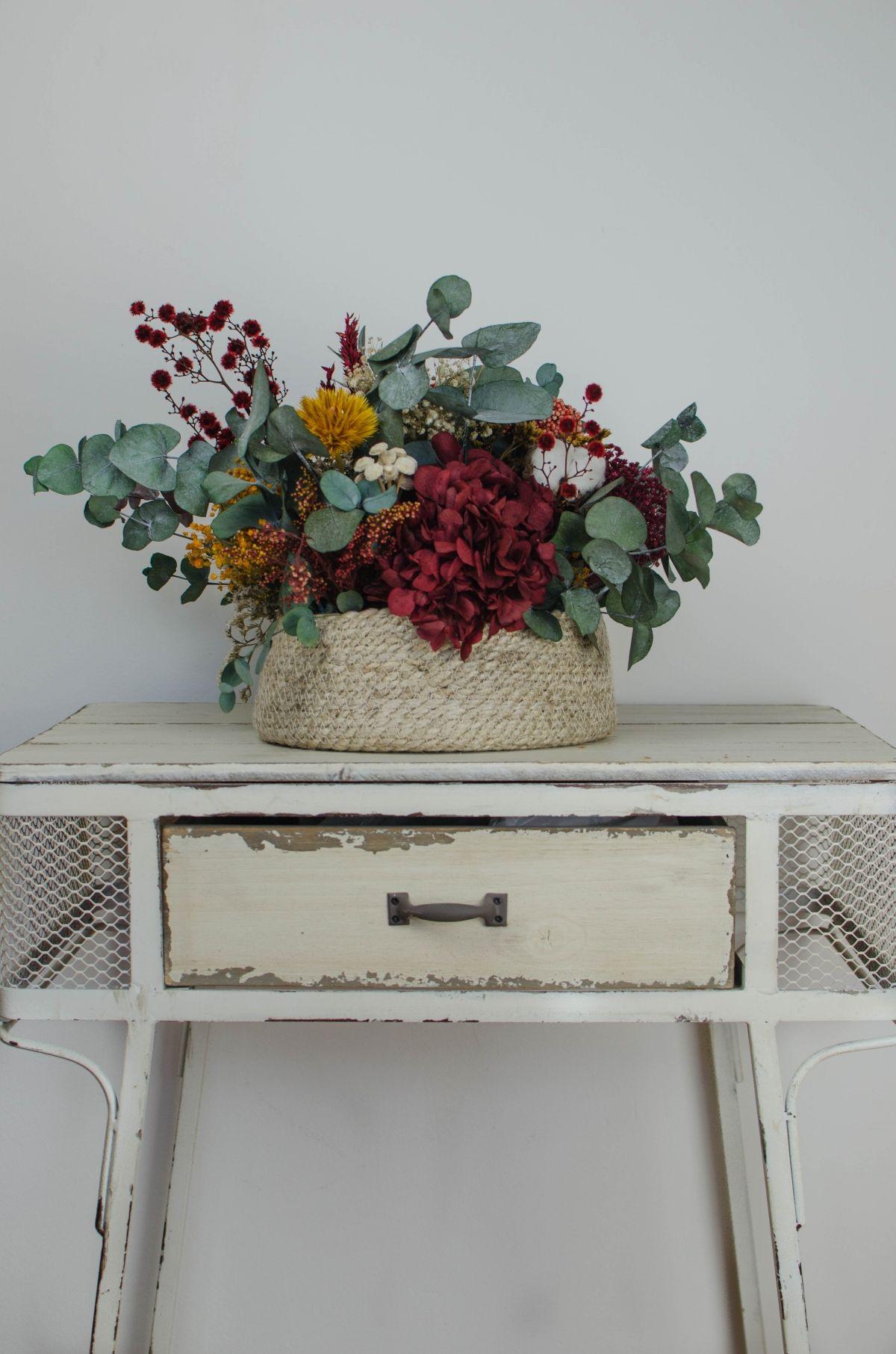 Cesto babushka ideas oto o flores secas decoracion centros de mesa de comedor y flores para - Plantas secas decoracion ...