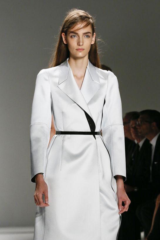 Défilé Calvin Klein Collection http://www.vogue.fr/beaute/en-vue/diaporama/les-plus-beaux-backstages-des-defiles-de-new-york-5/9731/image/592921#defile-calvin-klein-collections
