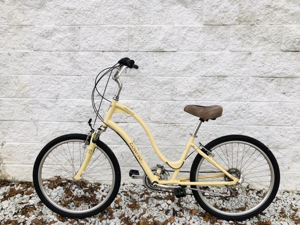 85026400982 Latest Townie Bike for sales #towniebike #townie #bike Electra Townie 21  Comfort Hybrid Bike with Flat Foot Technology 21-Speed Nice!