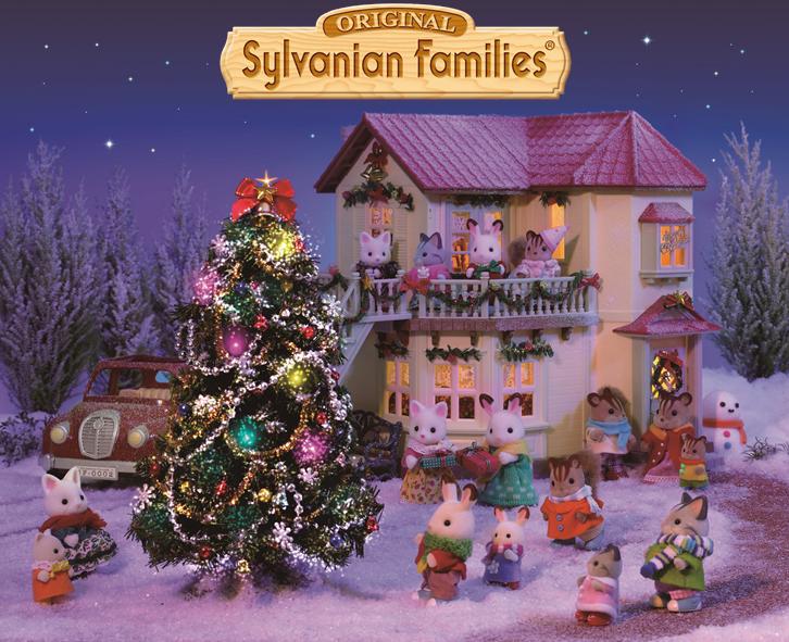 Les Sylvanian Families Ont Fini De Decorer La Maison Et Le Sapin Ils Admirent La Beaute Des Lumi Sylvanian Families Calico Critters Families Pottery Barn Kids