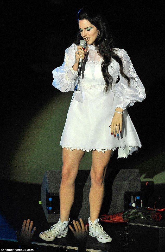 Lana Del Rey \ | Mini dress, Lace mini dress, Fashion