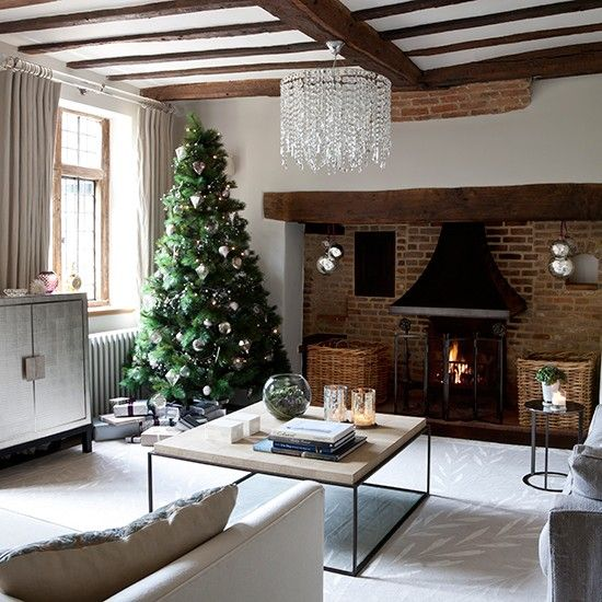 Contemporary Christmas Living Room Ideas