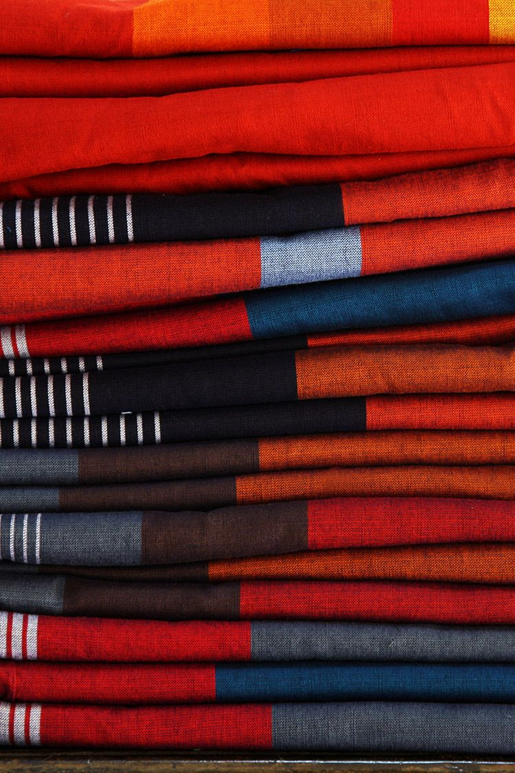 Barefoot fabrics from Sri Lanka for our cushions.