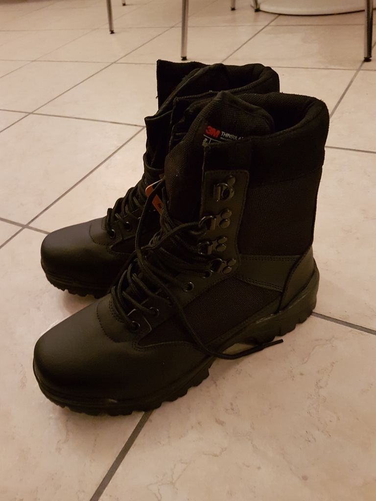 Chaussures MIL TEC SWAT STIEFEL neuves taille 42 0b810743cc96f915a2ab11df44df9935
