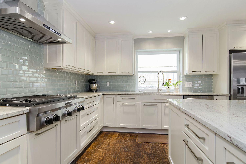 River White Granite With Cashmere White Colors Kitchen Cabinets