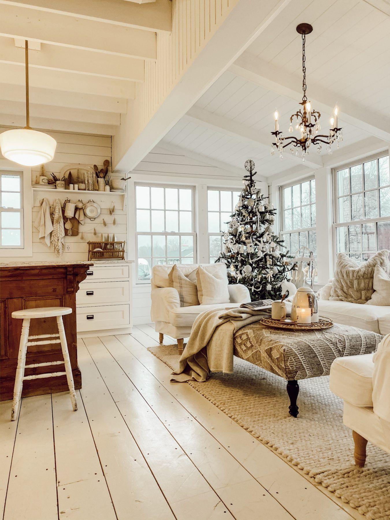 Cozy White Cottage Book Club – #88 Cozy Glow
